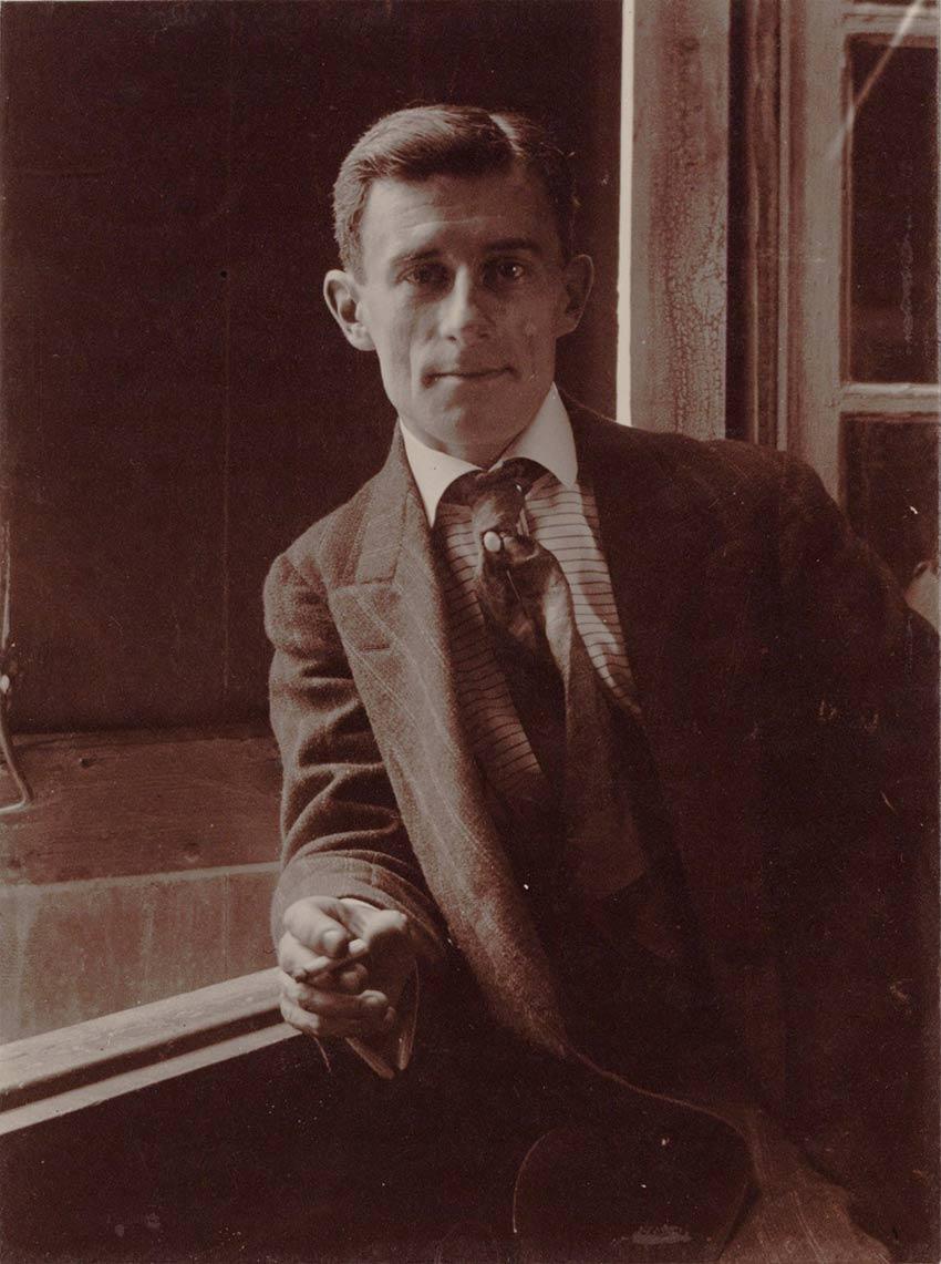 Maurice Ravel - 1910 © BnF