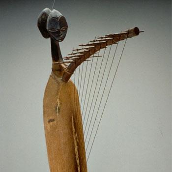 Harpe ngombi © Musée de la musique