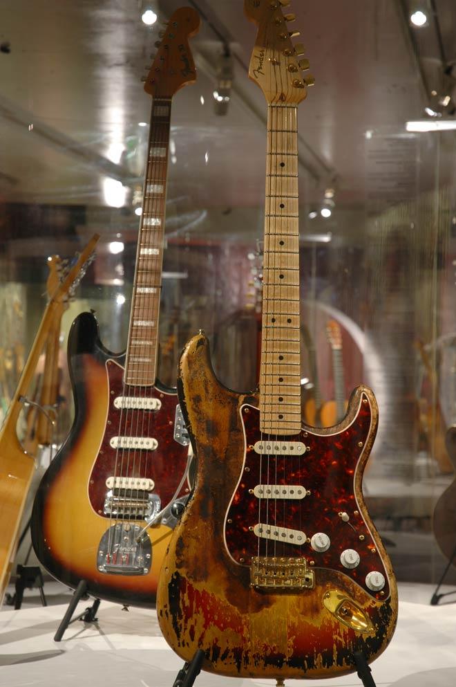 Guitare de Frank Zappa, Modèle Stratocaster Fender, Fullerton, États-Unis, 1960-1965 période pré-CBS, Prêt de la famille Zappa