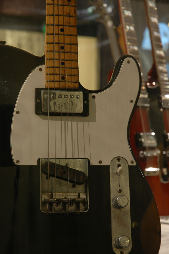 Guitare de John Lennon, Modèle Telecaster, Fender, Fullerton, États-Unis, 1963, Prêt de Yoko Ono Lennon, New York