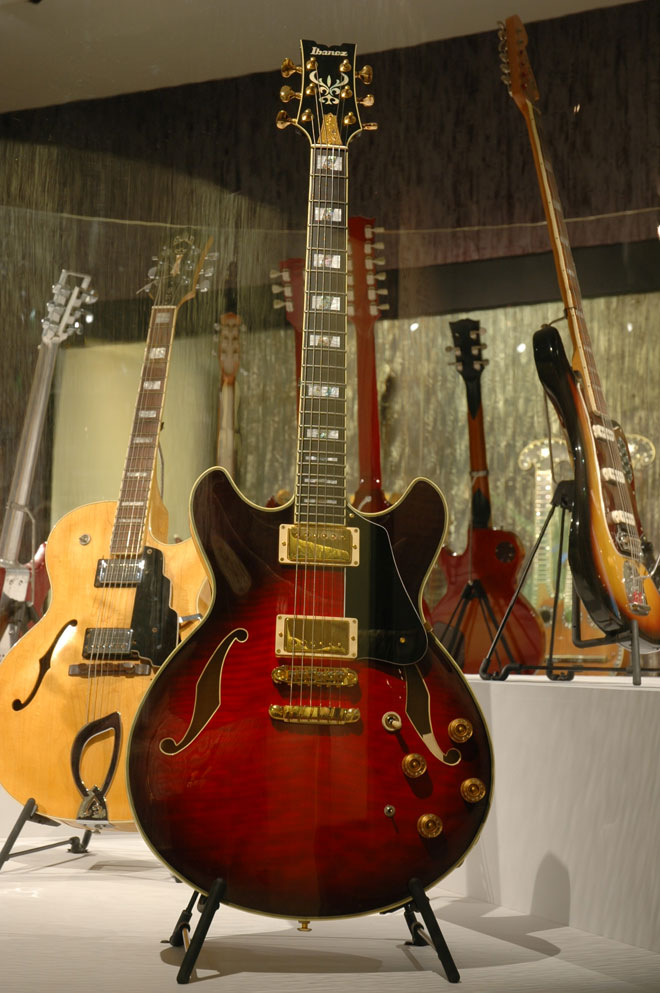 Guitare de John Scofield, Modèle JSM-200 John Scofield Ibanez, Japon, 2001, Prêt de John Scofield, New York
