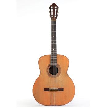 Guitare classique Busato Bartolo ayant appartenu à Georges Brassens - Philharmonie de Paris