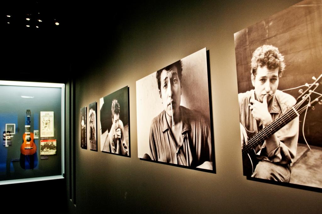 Vue de l'exposition Bob Dylan, Cité de la musique - Folk Rock © William Beaucardet