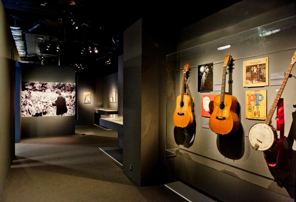 Vue de l'exposition Bob Dylan, Cité de la musique - Folk revival © William Beaucardet