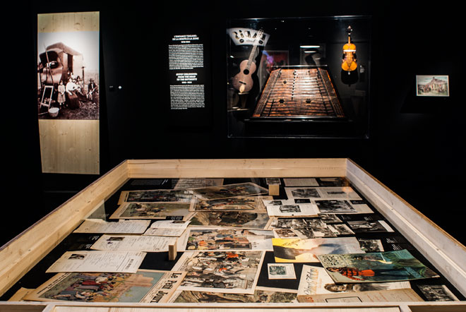 Exposition Django Reinhardt, L'enfance tsigane : de la route à la Zone (1910-1924) © Matthias Abhervé