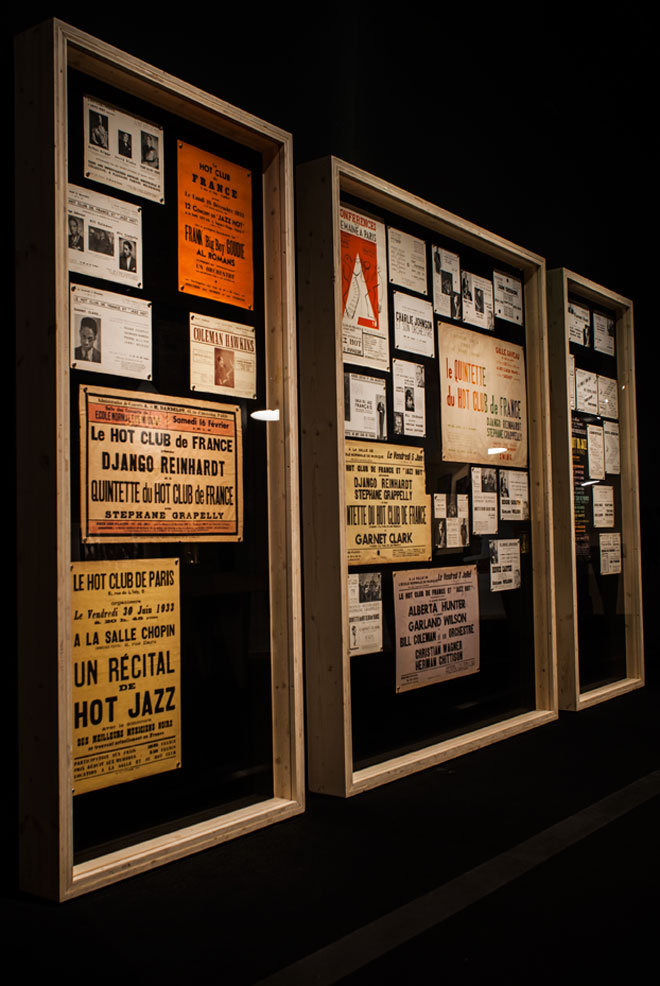 Vue de l'exposition Django Reinhardt - Paris, capitale du jazz « hot » ©Matthias Abhervé