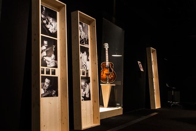 Vue de l'exposition Django Reinhardt - Django, star de l'U.S. Army © Matthias Abhervé