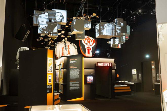Vue de l'exposition david Bowie Is, Cité de la musique - Robert Zimmerman © Matthias Abhervé - Philharmonie de Paris