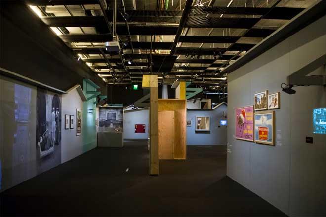 Vue de l'exposition : la ruée vers l'or. Photo : Nora Houguenade - Cité de la musique - Philharmonie de Paris.