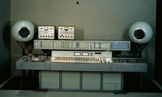 Console du studio 116 c du groupe de recherche musicale (GRM), EMI, 1967, France, © Cité de la musique - Jean-Marc Anglès