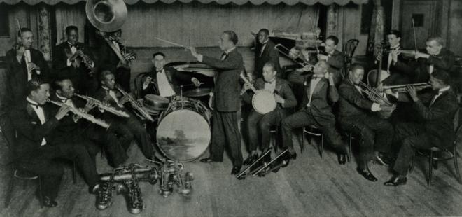 Erskine Tate's Band, avec Louis Armstrong,début des années 20 © Coll. Francis Paudras. Jazz memories