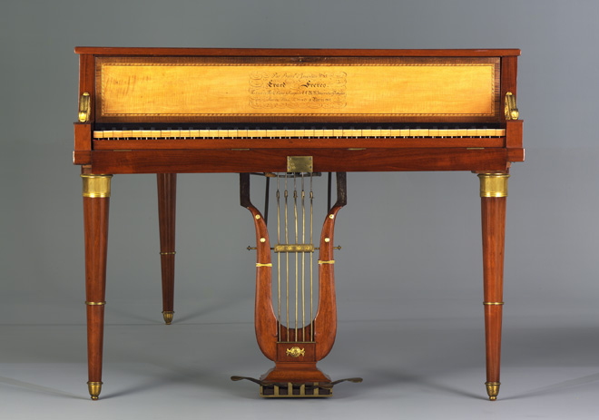Piano à queue, Erard, 1812, Paris, E.979.2.7 © Cité de la musique - Photo : Jean Marc Anglès