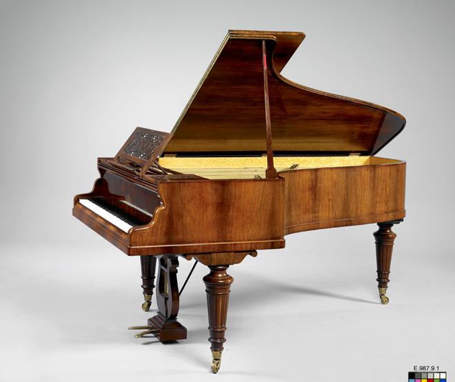 Piano - luthéal, Érard / Daniel Magne, Paris, 1891 – 1987