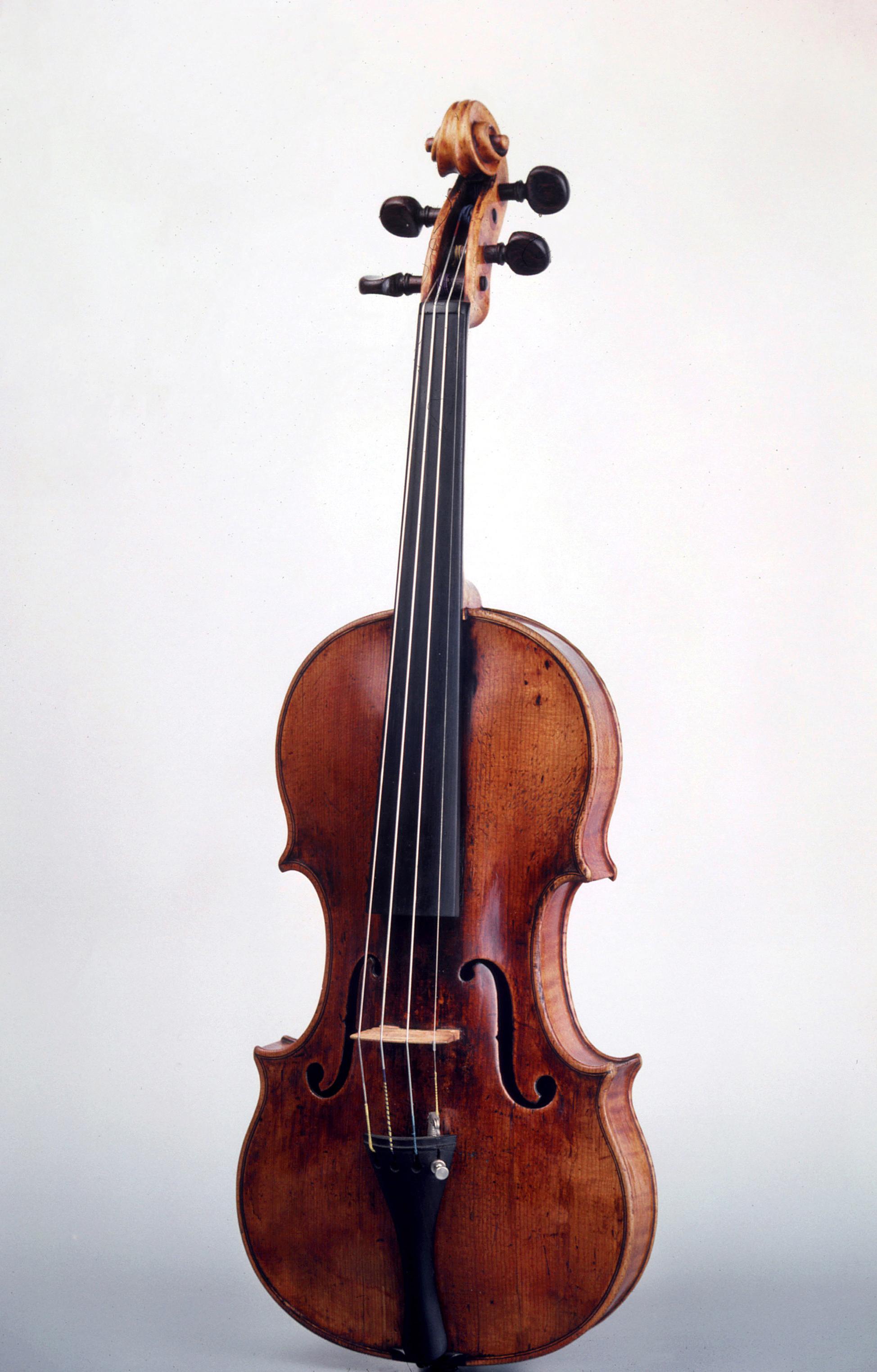 Violon Nicolò Amati, Crémone, 1639, E.972.6.1, Collection Musée de la musique © Cité de la musique - Jean-Claude Billing