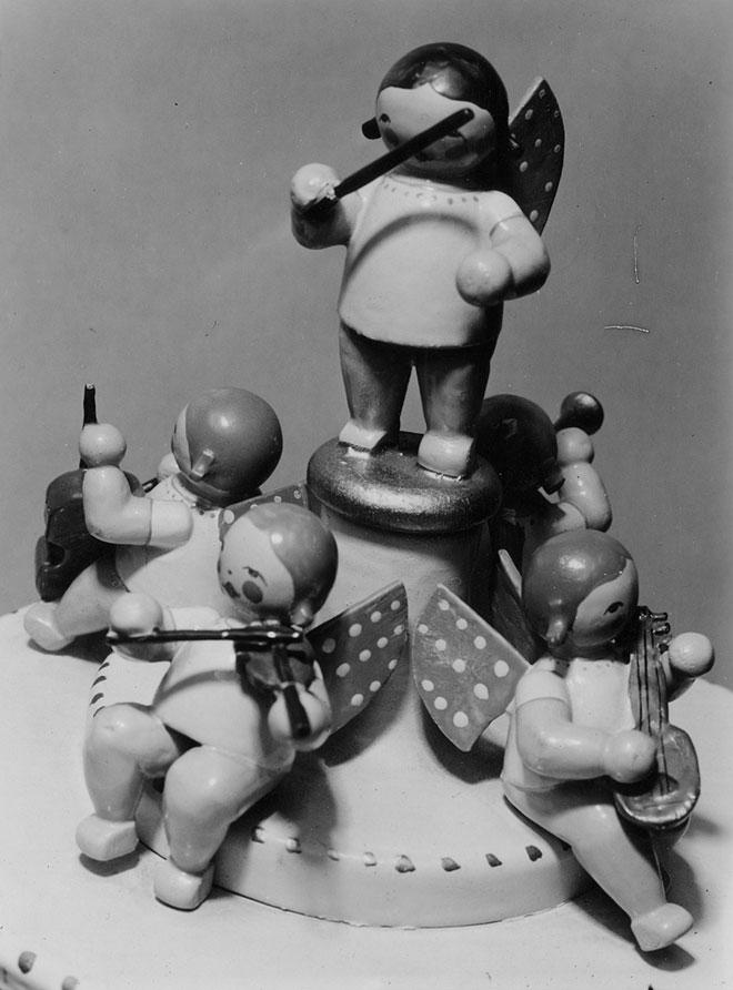 Boîte à musique avec des figures d'anges © Deutsche Fotothek