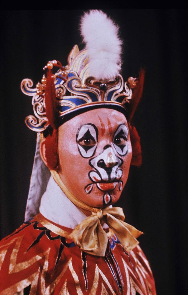 Opéra de Pékin, photographie de Roger Pic, 1964 © Gallica-BnF