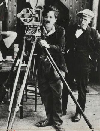 Charles Chaplin à la réalisation © NY Public Library, digital collections