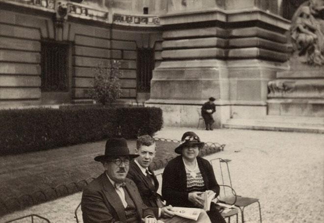 Frank Bridge, Benjamin Britten et Ethel Bridge. Source: National Portrait Gallery, London / CC BY-NC-ND