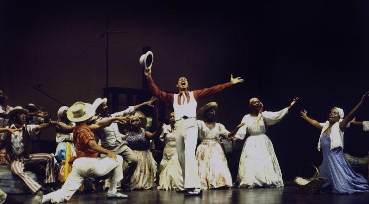 Larry Marshall dans une scène de Porgy and Bess de Gerhwin au Houston Grand Opera en 1977 © Martha Swope (photo)- NY Public Library, digital collections