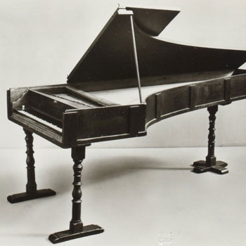 Piano à queue Érard frères, 1802 (E.986.8.1) © Philharmonie de Paris, JM Anglès