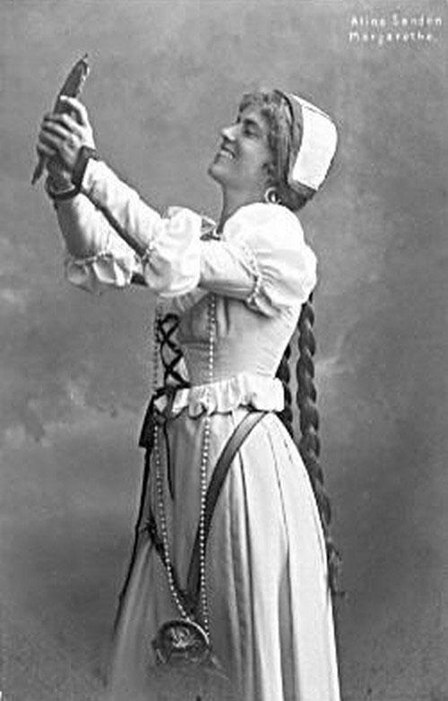 Aline Sanden dans le rôle de Marguerite dans Faust de Gounod © SLUB, Deutsche Fotothek