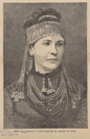 Mme Schliemann avec les parures d'Hélène de Troie © NY Public Library, digital collections