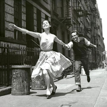 Carol Lawrence et Larry Kert, photo promotionnelle pour West Side Story © The New-York Public Library
