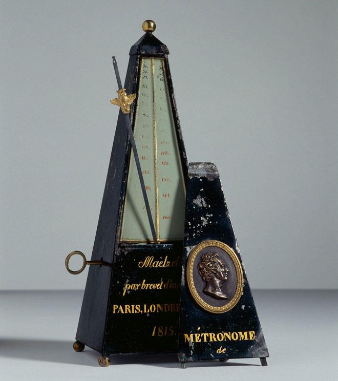 Métronome pyramidal de Johann Nepomuk Mälzel, vers 1816 © Albert Giordan (photo) - Philharmonie de Paris - Musée de la musique