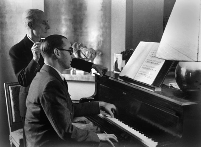 Jacques Février jouant le Concerto pour la main gauche en présence de Maurice Ravel