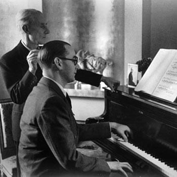 Jacques Février jouant le Concerto pour la main gauche en présence de Maurice Ravel © Gallica-BnF
