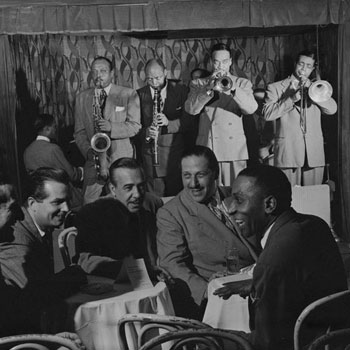 Jazzmen (Ben Webster, Benny Morton...) au Famous Door, New York, 1947 © William Gottlieb (photo) - Library of Congress