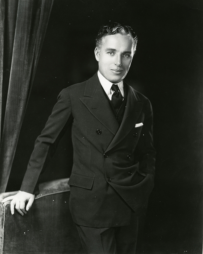 Portrait de Charles Chaplin par Homer Peyton. Des archives de Roy Export Company Limited.