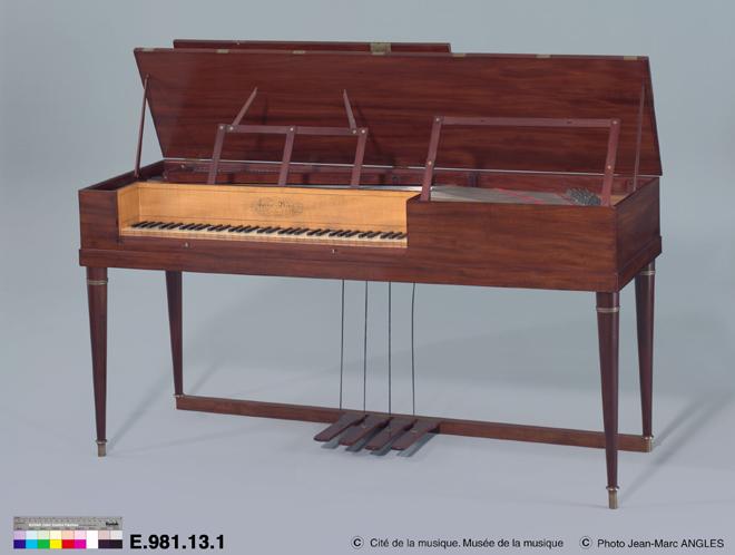 Incontournable - Piano carré Ignace Pleyel - Musée de la musique