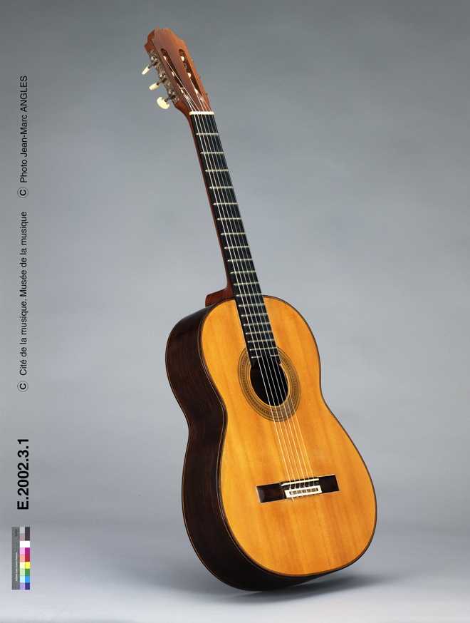 Incontournable - Guitare Robert Bouchet - Musée de la musique