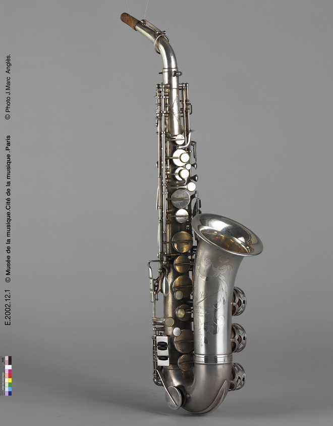 Incontournable - Saxophone alto en mi bémol - Georges Leblanc - Musée de la musique