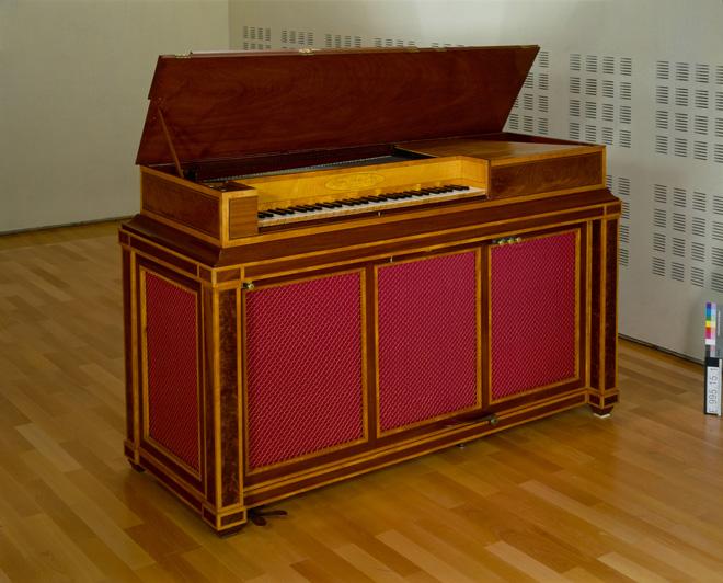 Incontournable - Piano carré organisé Maison Erard - Musée de la musique