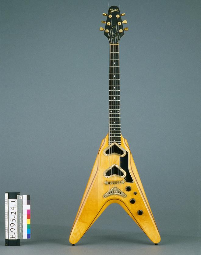 Incontournable - Guitare électrique modèle Flying V 2 - Musée de la musique