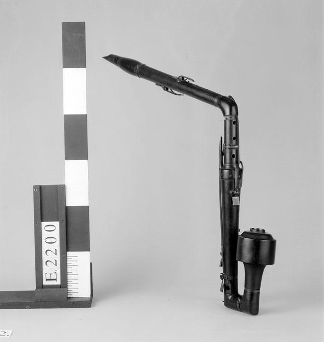Incontournable - Cor de basset d'amour - Musée de la musique