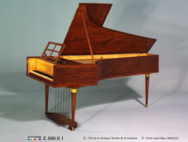 Incontournable - Piano à queue Erard - 1802- Musée de la musique