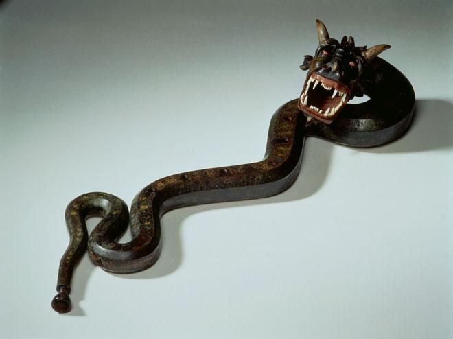 Incontournable - Cornet à bouquin ténor en forme de serpent - Musée de la musique