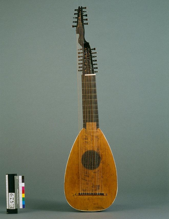 Incontournable - Luth Johann christian Hoffman  - Musée de la musique