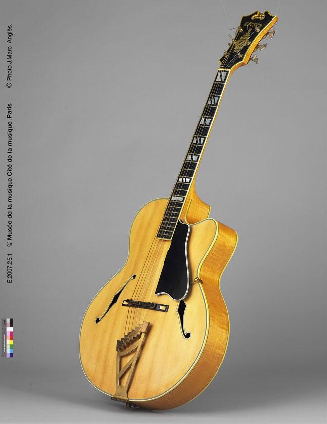 Incontournable - Guitare acoustique modèle Excel Cutaway- Musée de la musique