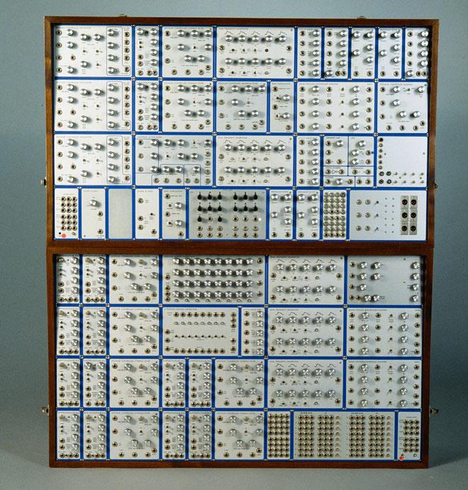 Incontournable - Synthétiseur Modular System - Musée de la musique