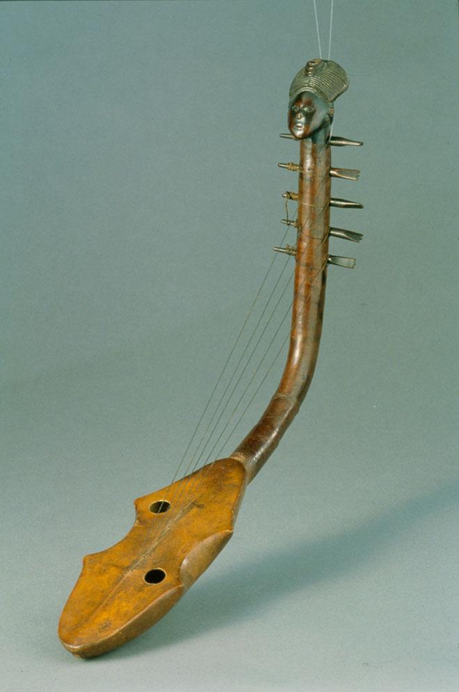 Harpe Kundi, République Démocratique du Congo - Musée de la musique, Photo : Thierry Ollivier