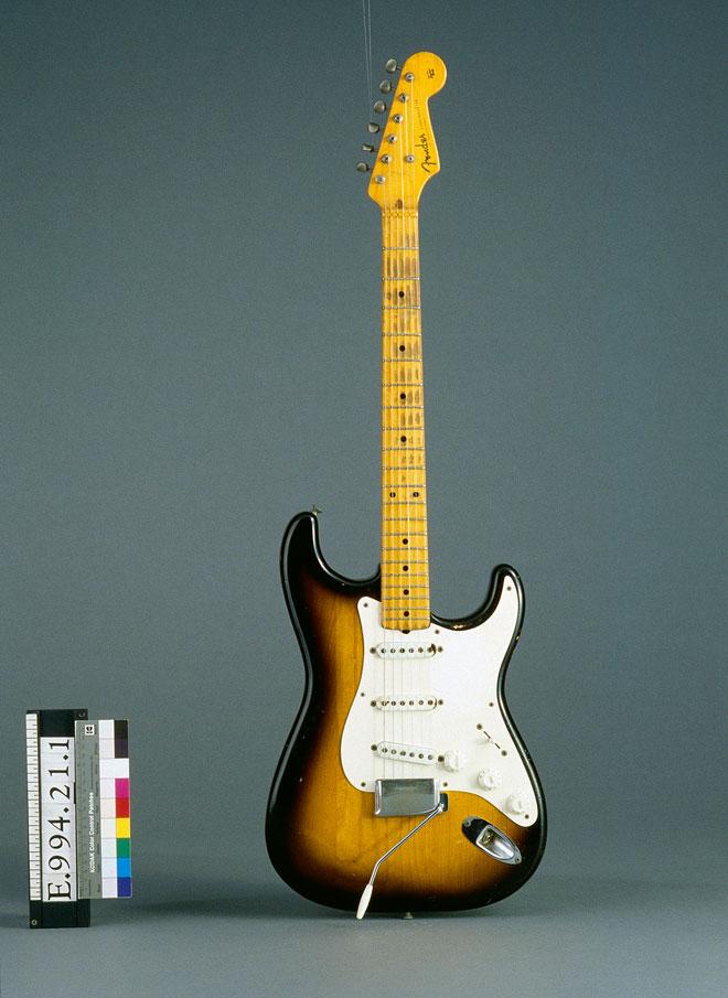 Instrument incontournable - Guitare électrique Stratocaster de Fender - Musée de la musique