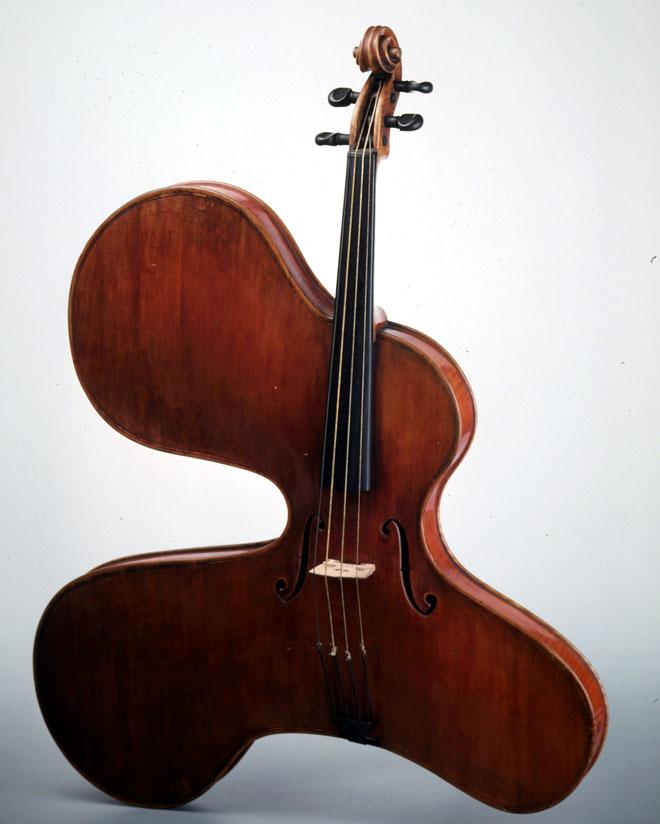 Instrument incontournable - viola arpa - Musée de la musique