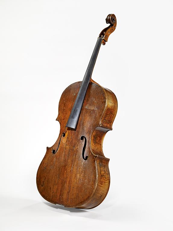 Incontournable - Basse de violon, recoupée en violoncelle - Andrea Amati - Musée de la musique