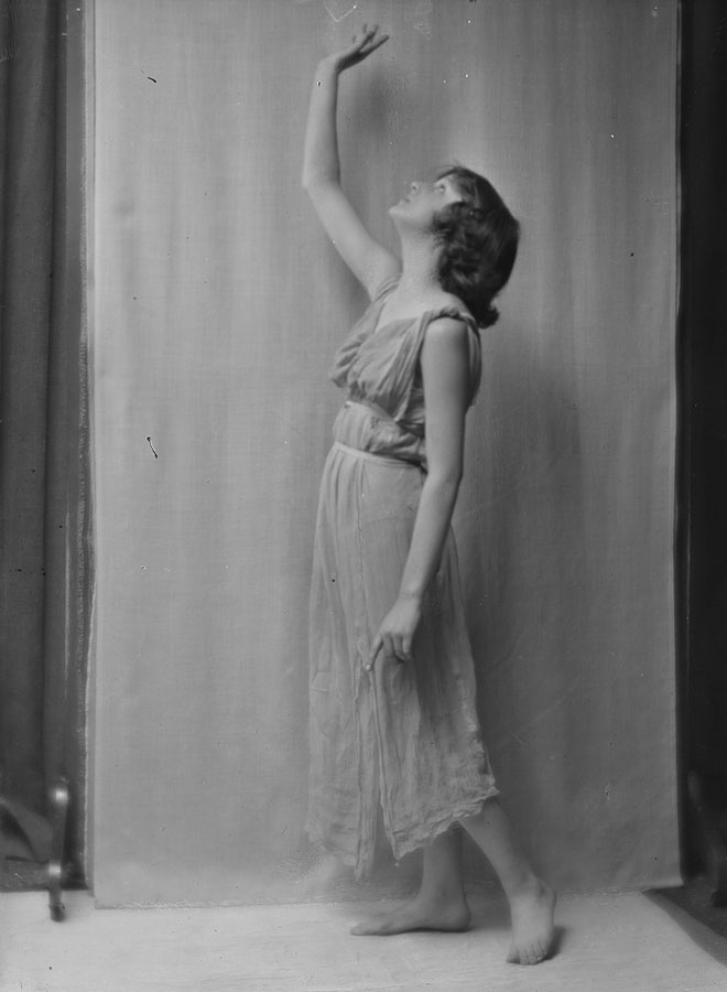Isadora Duncan, photographie d'Arnold Genthe, entre 1915 et 1923. Library of Congress