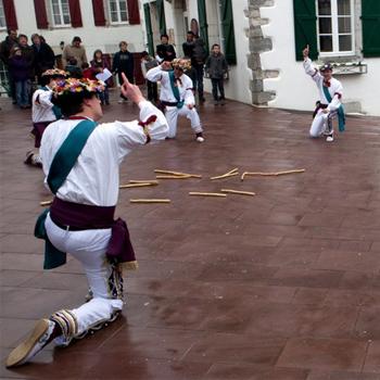 Danse chantée de carnaval: Zapatain dantza |