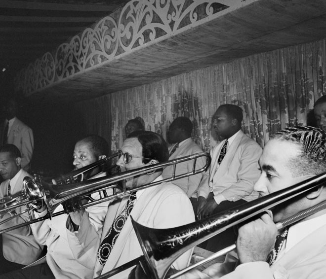 Pupitre des trombones de l'orchestre de Duke Ellington, photo de William Gottlied, 1946 © Library of Congress